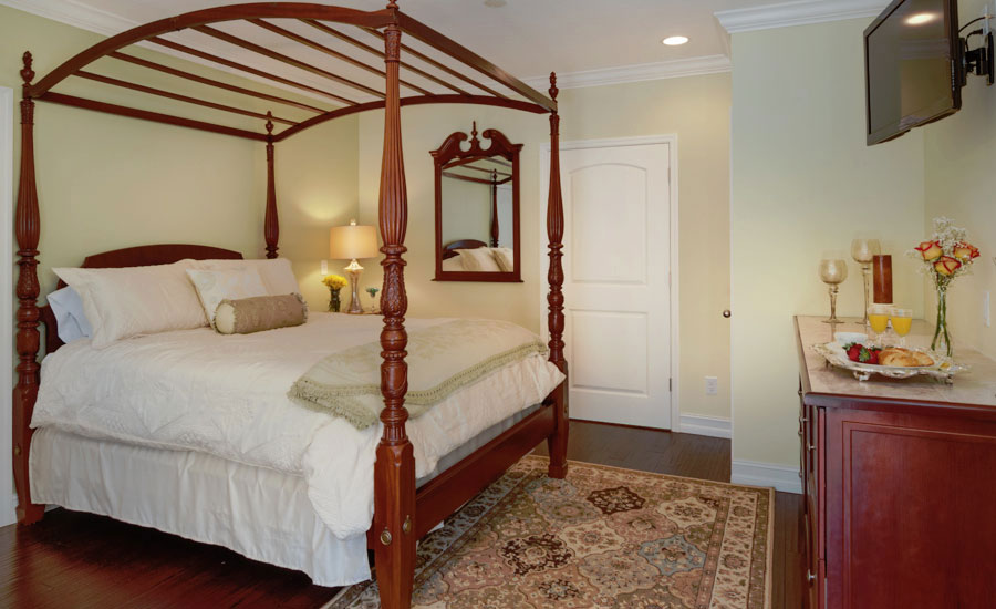 bedroom in the Royal Palm Room